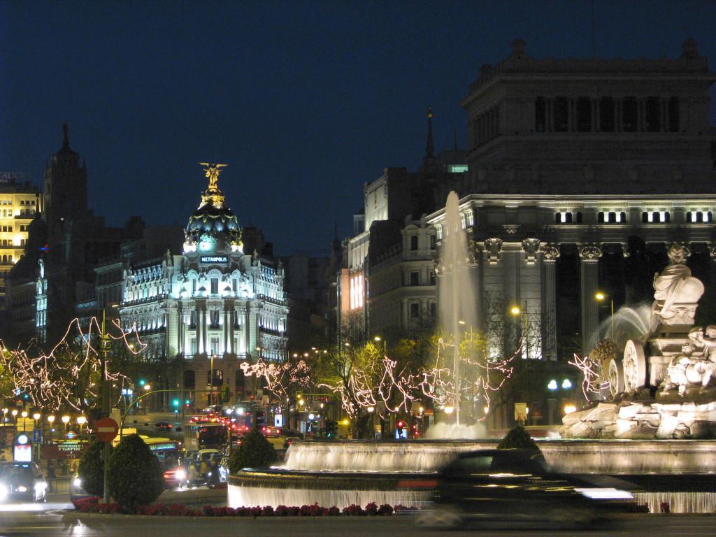 Image Source: Wikipedia, Plaza de Cibeles - Madrid